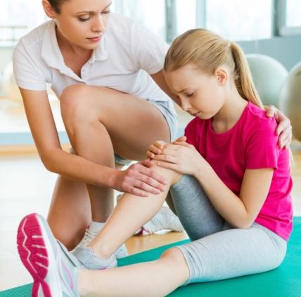 de ce este distrusă articulația genunchiului articulațiile genunchilor coate