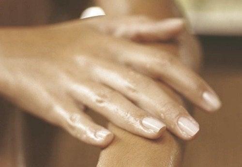 umflarea articulației pe mână