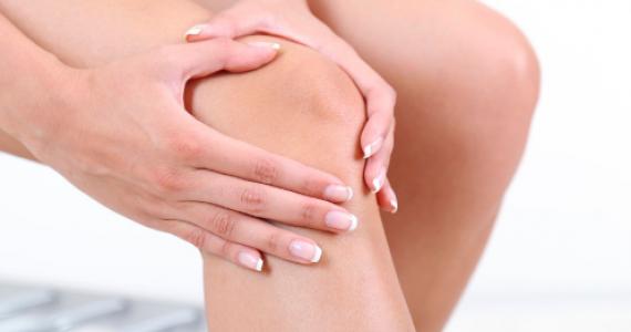 3 motive pentru care mersul este benefic pentru genunchii tai