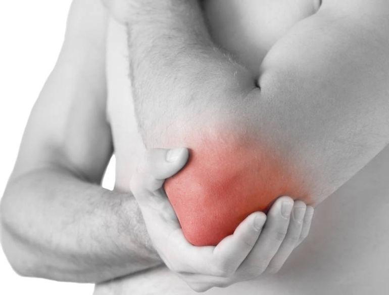Durere în articulația cotului după antrenament.