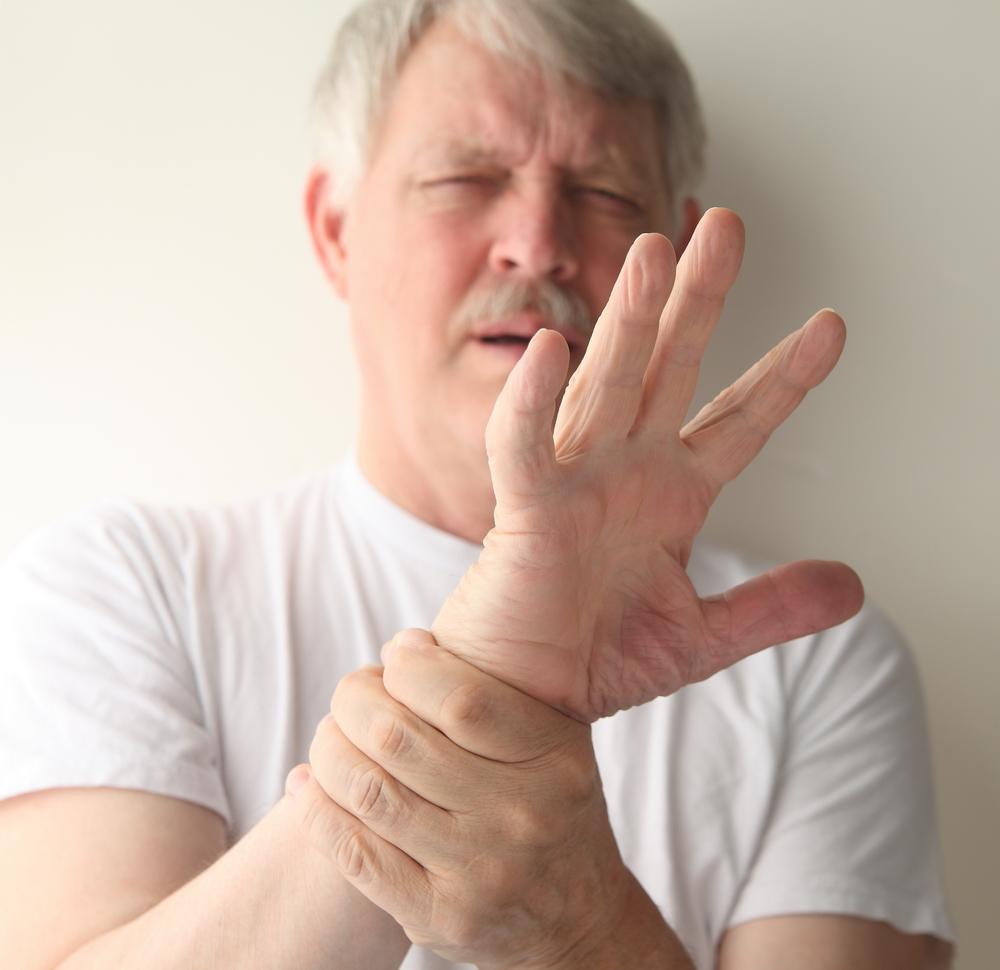 durere bruscă în articulațiile degetelor