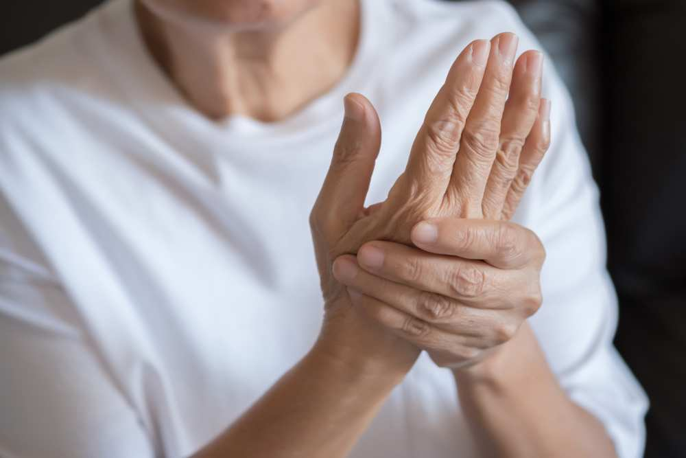 refacerea articulației cotului după luxație artrita degetului mare al mâinii stângi