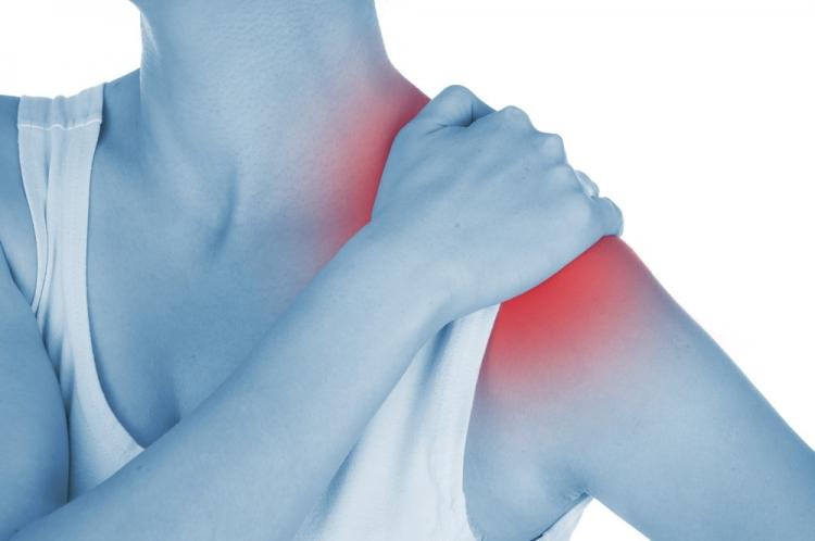 durerile de umăr ridicând brațul
