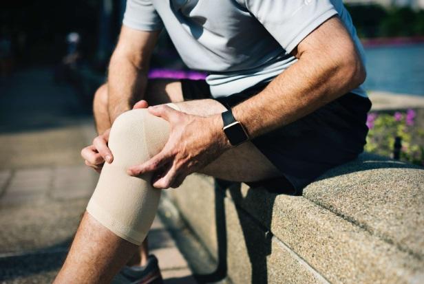 periostul genunchiului ameliorarea durerii în articulațiile brațelor și picioarelor